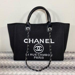 Chanel Tote Black Medium